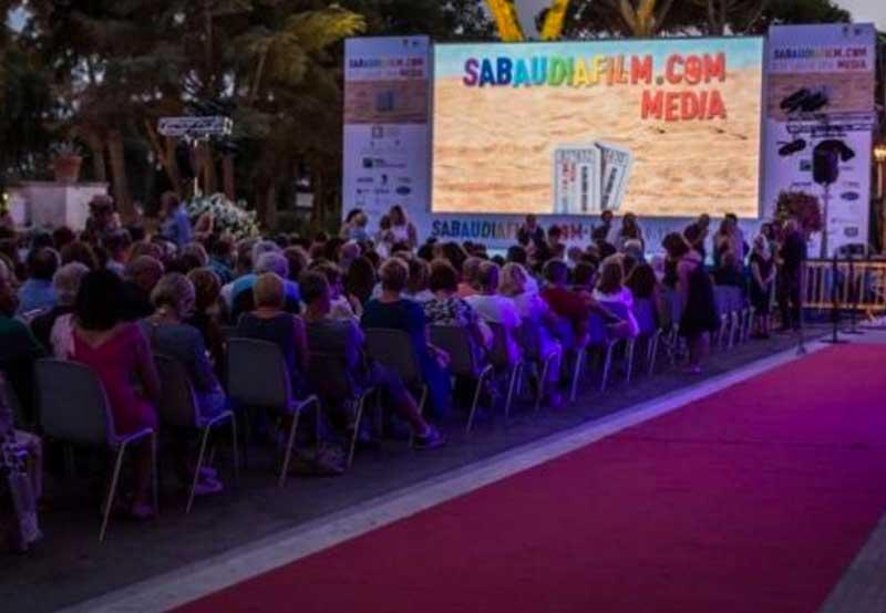 """Via al """"Sabaudia Film"""", la grande festa della commedia italiana"""